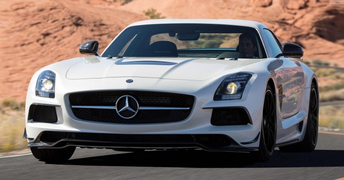 Mercedes-Benz-SLS-AMG-Coupe-Black-Series-On-Road