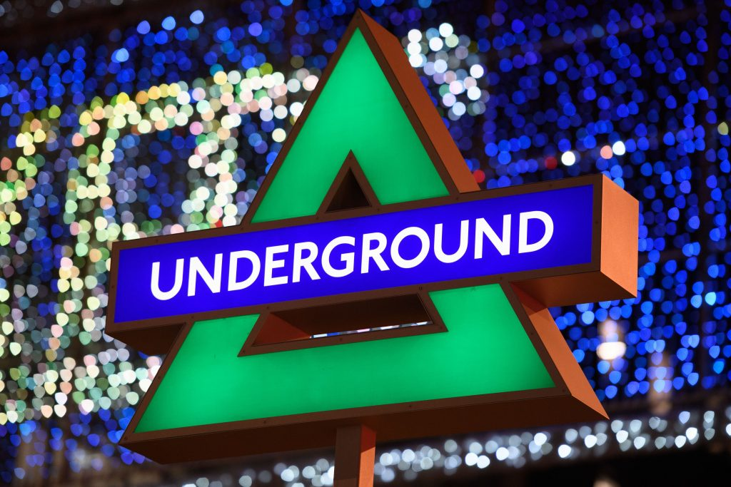 PS5 Shapes - London Underground Triangle